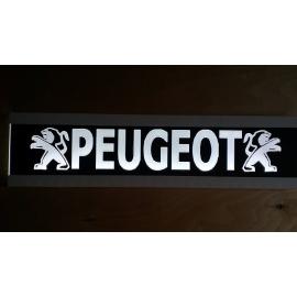 Frézált LED-es tábla Peugeot
