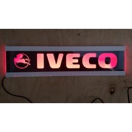 Gravírozott LED-es tábla IVECO